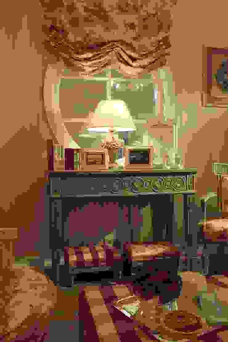 Деревенская спальня Спальня в классическом стиле от СТУДИЯ ЮЛИИ НЕСТЕРОВОЙ Классический