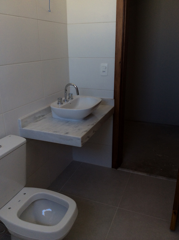 Baños de estilo rústico de Vanda Carobrezzi - Design de Interiores Rústico