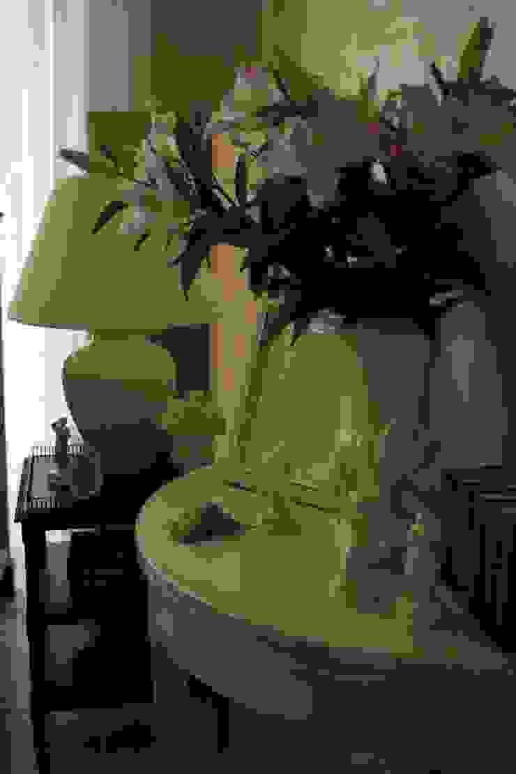 Рюмочная Медиа комната в классическом стиле от СТУДИЯ ЮЛИИ НЕСТЕРОВОЙ Классический