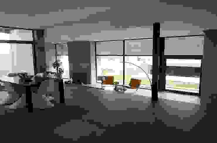 CASA TG Salones modernos de planeta diseño + construcción SA de CV Moderno