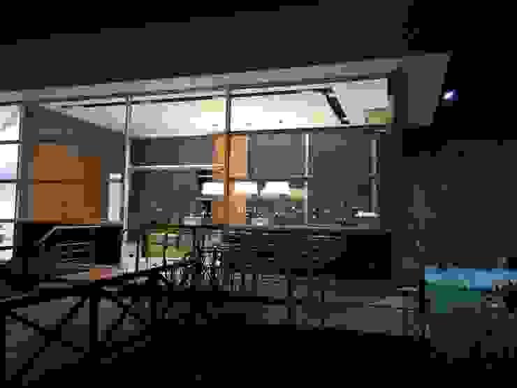 Projeto corporativo sóbrio e elegante por Lucio Nocito Arquitetura Casas modernas por Lucio Nocito Arquitetura e Design de Interiores Moderno