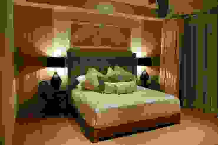 Modern style bedroom by Olivia Aldrete Haas Modern