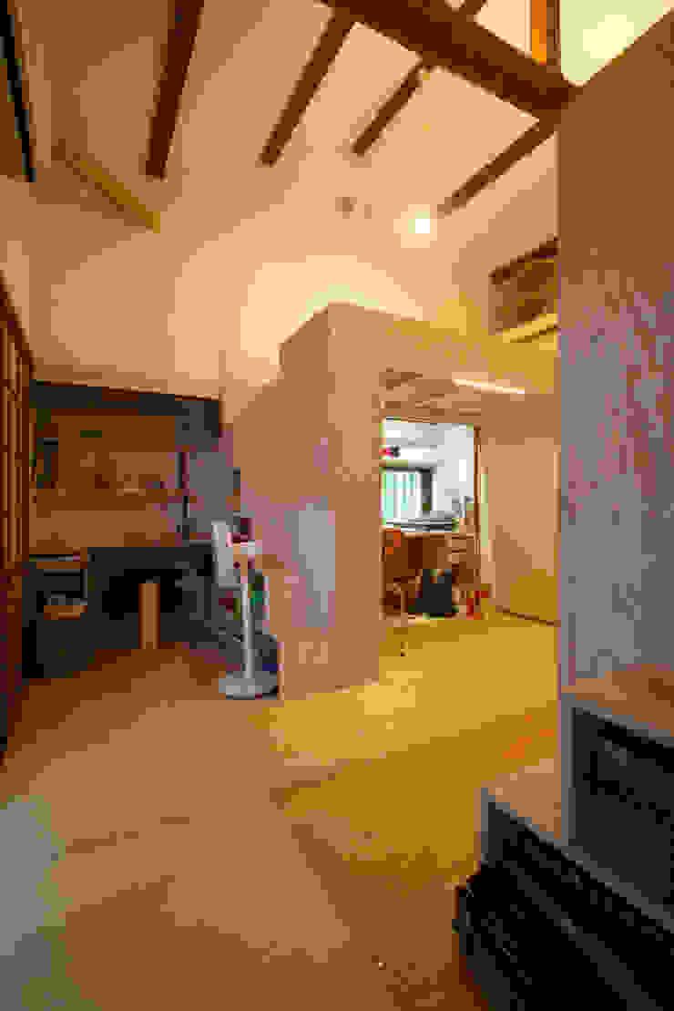 リノベーション後の室内 オリジナルデザインの 子供部屋 の hamanakadesignstudio オリジナル 木 木目調