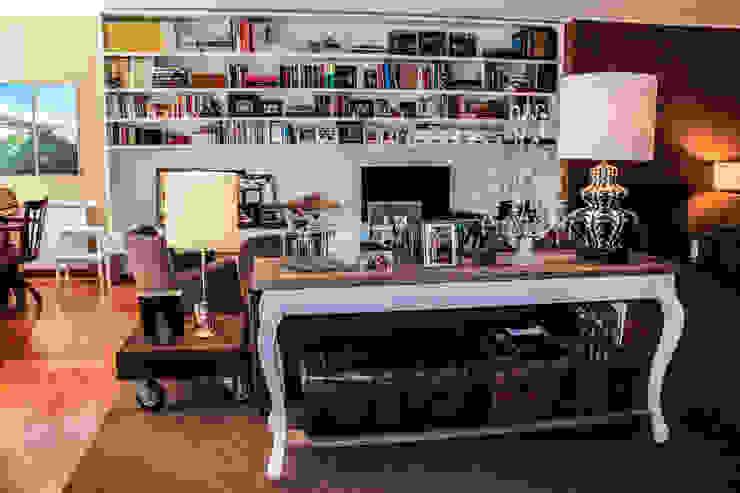 Living room by Gavetão- Decoração de Interiores,