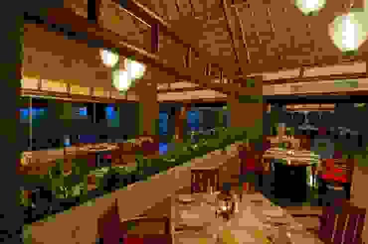 Restaurante Chaká / Comedor. de MC Design Ecléctico Fibra natural Beige