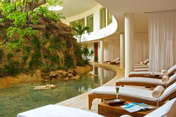Spa Grand Velas Riviera Nayarit / Área de relajación. de MC Design Ecléctico Madera maciza Multicolor