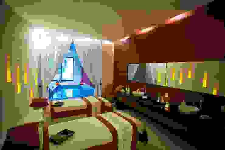 Spa Grand Velas Riviera Maya / Cabina de masaje para parejas. de MC Design Ecléctico Madera Acabado en madera
