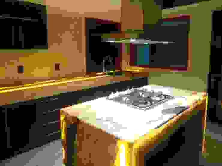 cocina iluminada Cocinas eclécticas de bello diseño! Ecléctico