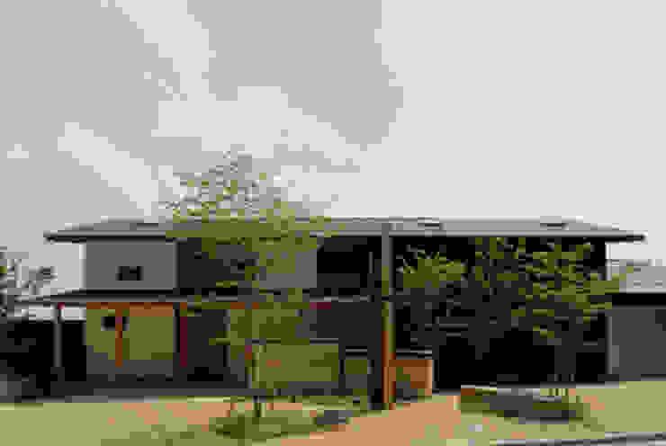 ほっと力の抜ける癒しの家 オリジナルな 家 の スタジオ・ベルナ オリジナル 木 木目調