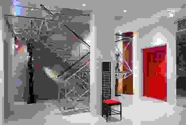 Nの家 オリジナルスタイルの 玄関&廊下&階段 の AMO設計事務所 オリジナル
