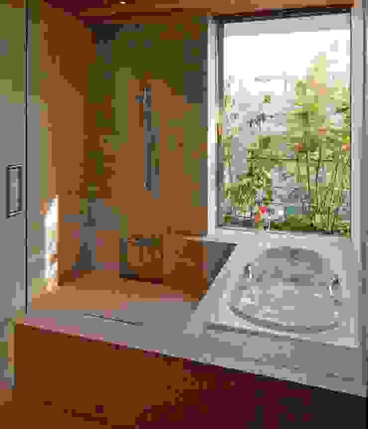 Nの家 オリジナルスタイルの お風呂 の AMO設計事務所 オリジナル
