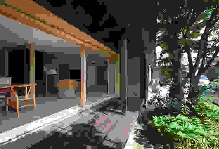 広縁 クラシカルな 窓&ドア の ろく設計室 クラシック