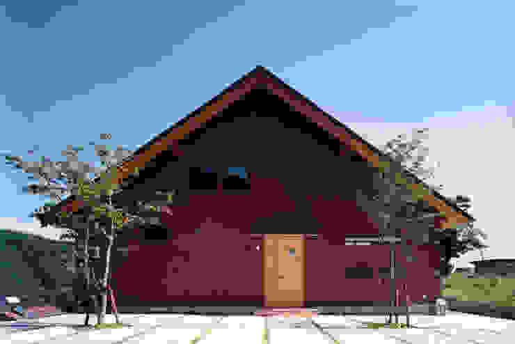 自然体で暮らすvol.1 カントリーな 家 の スタジオ・ベルナ カントリー 木 木目調