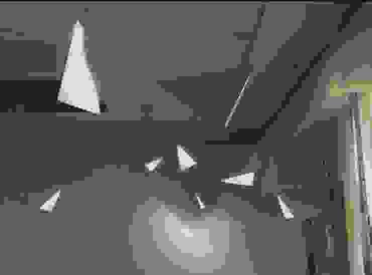 Lighting Installation at Cafe: One Fine Day: designvom의 현대 ,모던