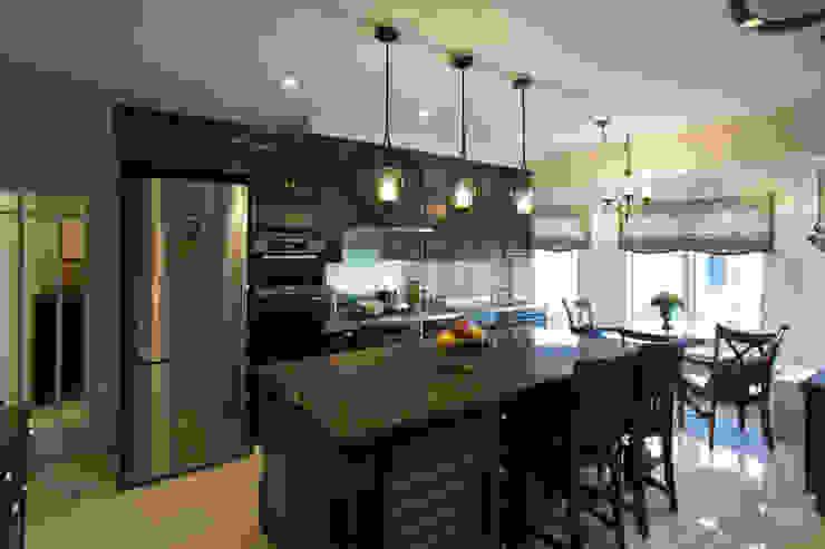 トラディショナルな家族が集うキッチン クラシックデザインの キッチン の 株式会社Linewood クラシック