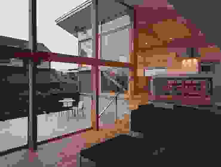 新千里南町 モダンデザインの リビング の 伊東建築計画室 モダン