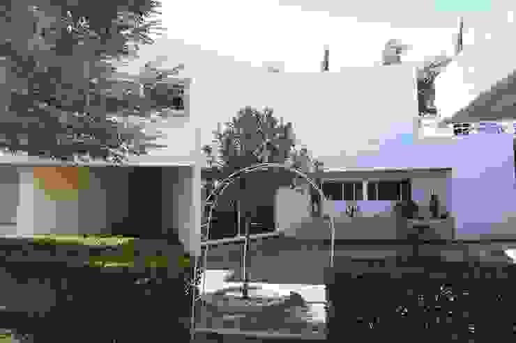 Casa FR Casas minimalistas de Flores Rojas Arquitectura Minimalista