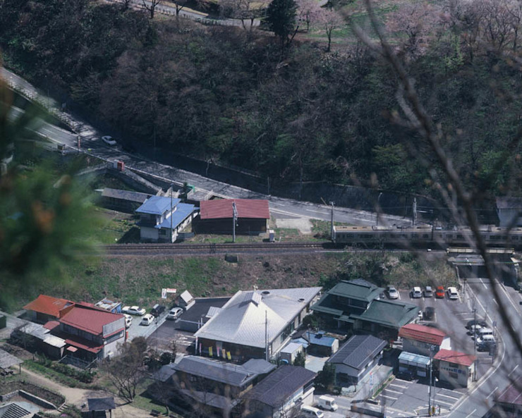 view from a lookout of Risshakuji temple オリジナルな 家 の 伊藤邦明都市建築研究所 オリジナル 金属