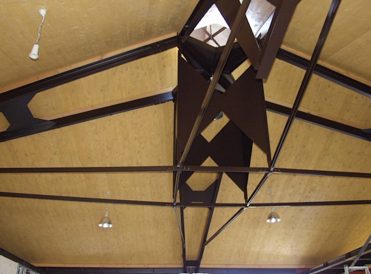 Interior Space of Yamadera Post Office オリジナルデザインの 多目的室 の 伊藤邦明都市建築研究所 オリジナル 木 木目調