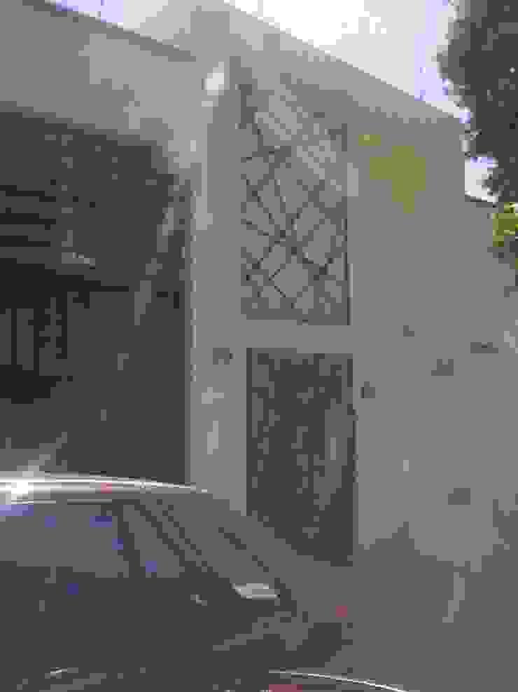 renovacion de fachada Casas eclécticas de bello diseño! Ecléctico