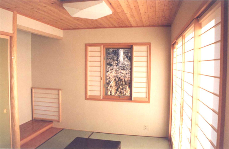 (有)岳建築設計 Asian windows & doors
