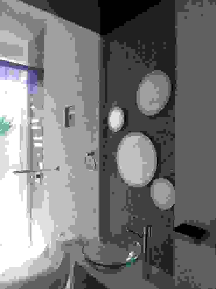 baño con materiales a mano Baños eclécticos de bello diseño! Ecléctico
