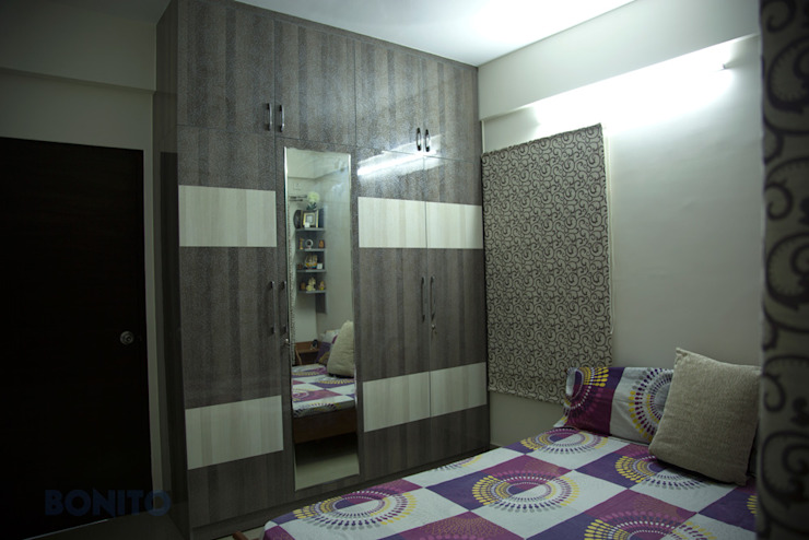Bedroom wardrobe design Asian style bedroom by homify Asian