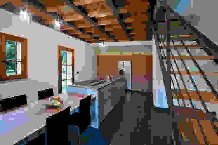 Cocinas de estilo ecléctico de marco bonucci fotografo Ecléctico