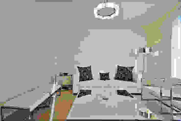 la sala Excelencia en Diseño Salones modernos Cuero sintético Blanco