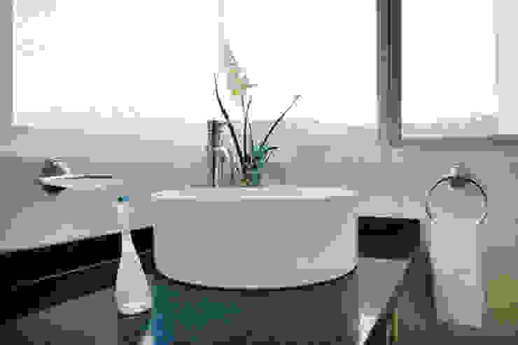 el lavamanos Excelencia en Diseño Baños modernos Cerámica Blanco