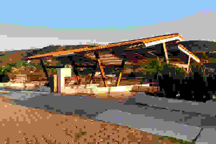 el garage Excelencia en Diseño Garajes rústicos Hierro/Acero Marrón