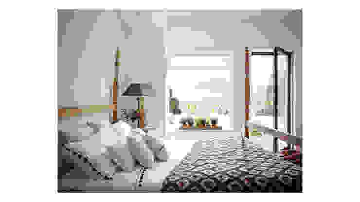 Спальня в средиземноморском стиле от Alejandro Giménez Architects Средиземноморский