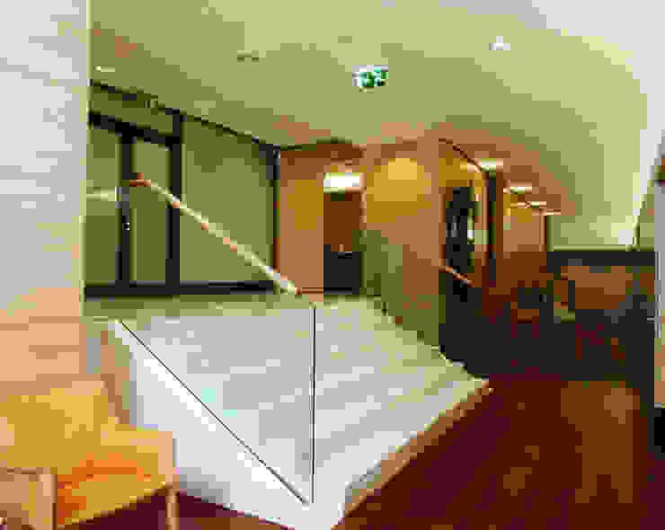 Edifício Sede do Montepio | Rua do Ouro | Lisboa por ATELIER DA CIDADE Moderno