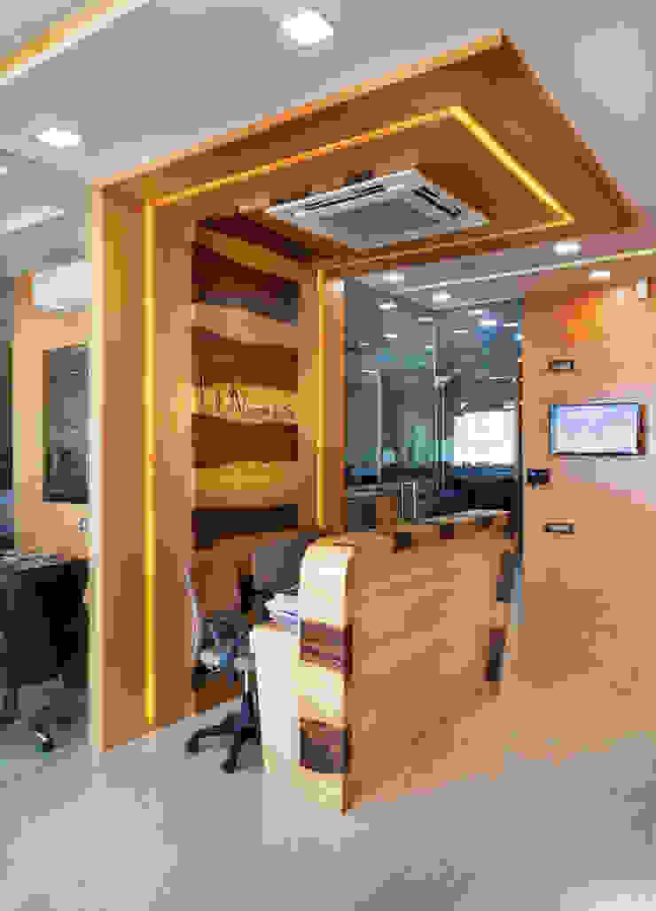 Corporate Office by DEEPAK THAKKAR & ASSOCIATES