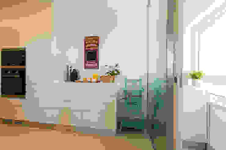 Cozinha Cozinhas modernas por Traço Magenta - Design de Interiores Moderno