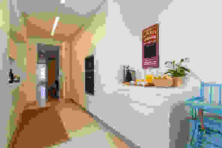 مطبخ تنفيذ Traço Magenta - Design de Interiores, حداثي