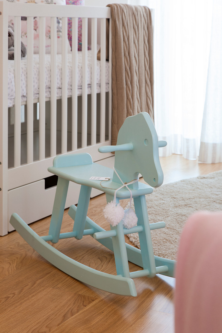 Quarto Bebé_pormenor Quartos de criança modernos por Traço Magenta - Design de Interiores Moderno