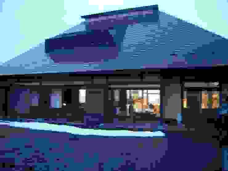 a renovation of traditional house 1 日本家屋・アジアの家 の 伊藤邦明都市建築研究所 和風 木 木目調