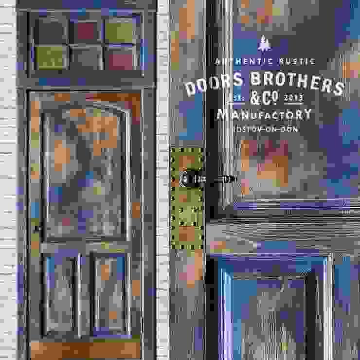 Дверь Лофт #1 от homify Лофт Дерево Эффект древесины