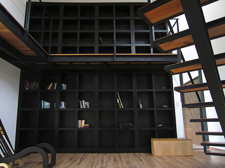 Narda Davila arquitectura Modern study/office Iron/Steel Black