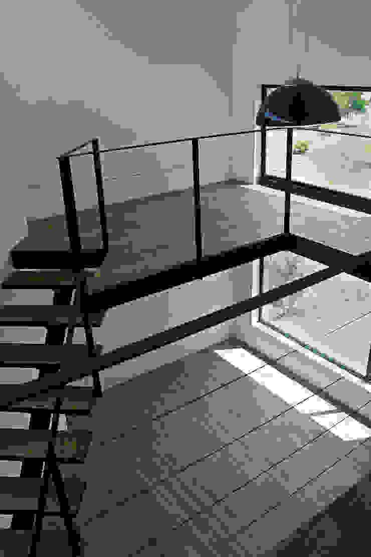 Narda Davila arquitectura Modern study/office Wood Wood effect
