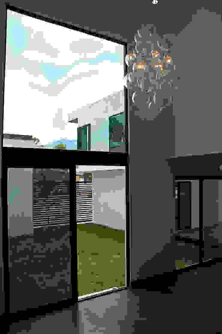 Narda Davila arquitectura Modern living room Iron/Steel White
