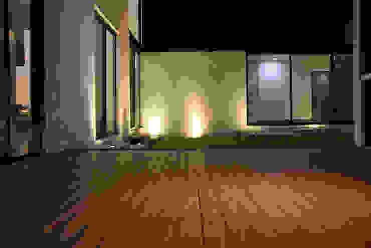 Narda Davila arquitectura Modern balcony, veranda & terrace Wood Wood effect