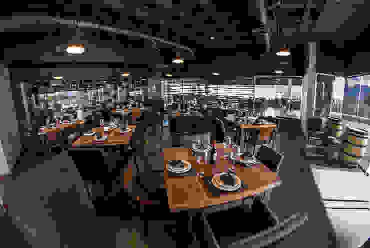 Narda Davila arquitectura Modern gastronomy Wood Black