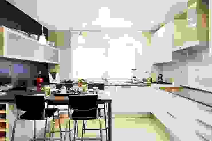 Cozinha/Kitchen Cozinhas modernas por 3L, Arquitectura e Remodelação de Interiores, Lda Moderno