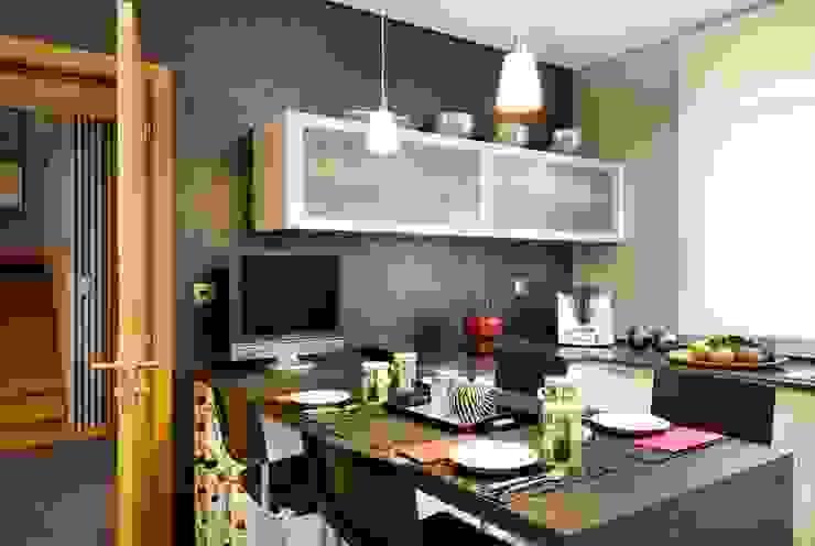 Modern kitchen by 3L, Arquitectura e Remodelação de Interiores, Lda Modern