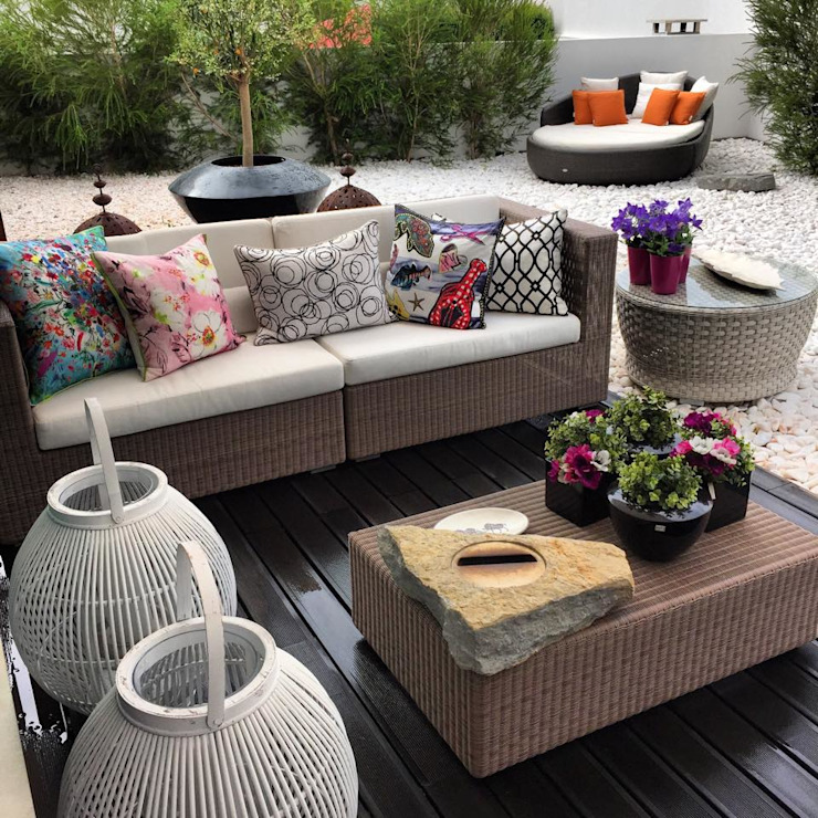 Modern style gardens by 3L, Arquitectura e Remodelação de Interiores, Lda Modern