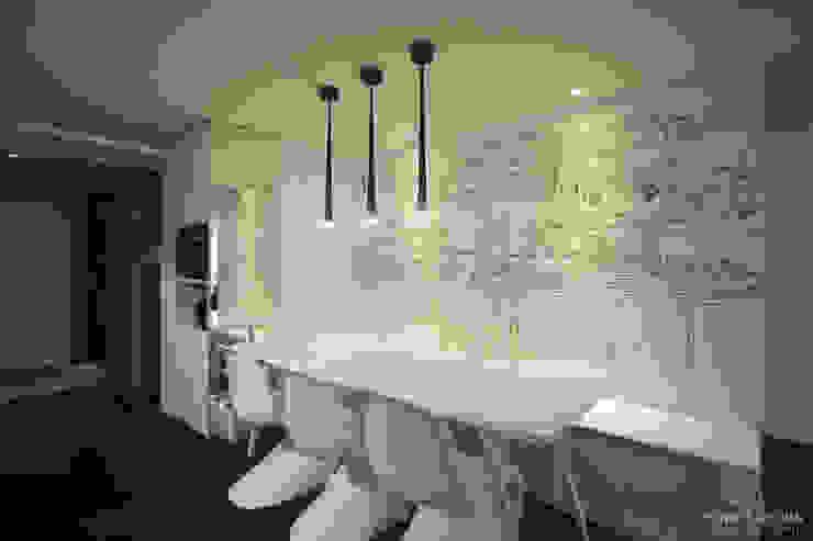 아내가 꿈꾸는 공간, 다이닝룸과 드레스룸이 예쁜 32py 모던스타일 다이닝 룸 by 홍예디자인 모던