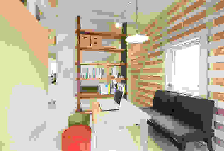 15坪の平屋のリフォーム 北欧スタイルの 玄関&廊下&階段 の デザインプラネッツ一級建築士事務所 北欧