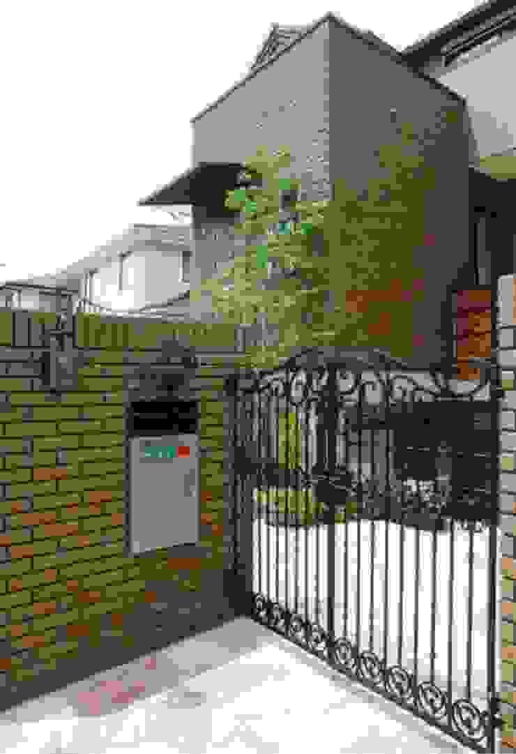 夙川の家 モダンな 家 の 株式会社 atelier waon モダン